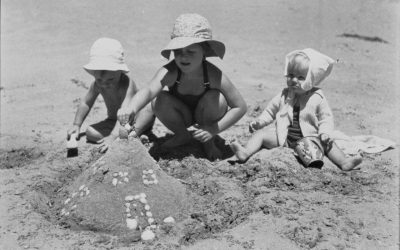 Childhood on the beach revisited in old photographs
