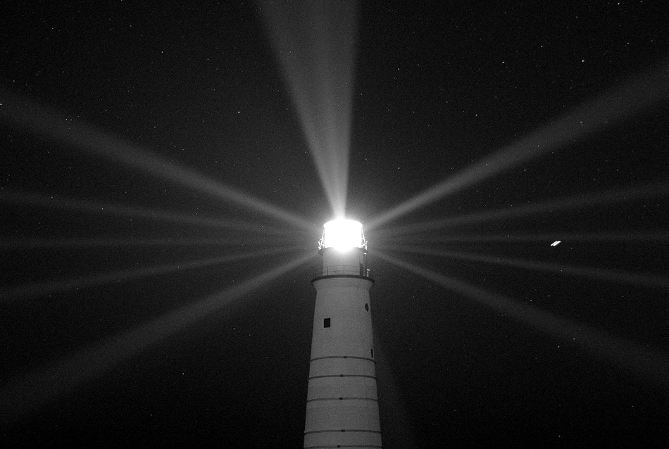 Lighthouses under the spotlight in super old photos