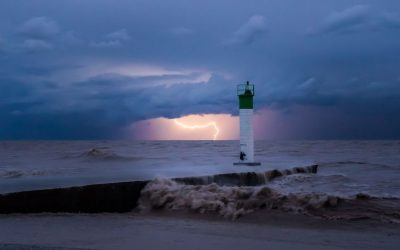 Lighthouse photos that bid you to pause and have a look